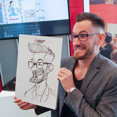 Karikaturist_Schnellzeichner_Xi_Ding_Marker-91